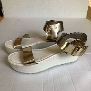 Wassiuo wedge Woman's gold sandals size 11